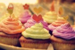 Muffins με την κρέμα Στοκ εικόνες με δικαίωμα ελεύθερης χρήσης