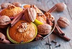 Muffins ξύλων καρυδιάς Στοκ Εικόνα