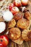 Muffins της Apple με την κανέλα Στοκ Εικόνα