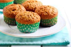 Muffins φυστικοβουτύρου στο πιάτο Στοκ Εικόνες