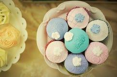 Muffins auf einer Platte Lizenzfreies Stockfoto