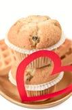 Muffins auf einer Platte Stockfoto