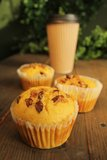 Muffins and coffee to go Royalty Free Stock Images