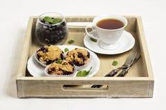Muffins der Schwarzen Johannisbeere Stockfotografie