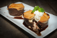 Muffins der süßen Schokolade des Klumpens Lizenzfreies Stockfoto