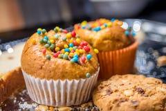 Muffins en koekjes royalty-vrije stock afbeelding