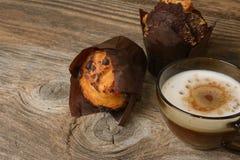 Muffins i filiżanka kawy Zdjęcie Stock
