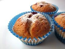 Muffins met bessen Stock Afbeeldingen