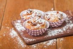 muffins met havermeel en okkernoten Royalty-vrije Stock Afbeeldingen