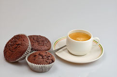 Muffins met koffie Stock Foto's
