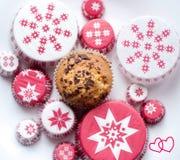 Muffins met liefde Stock Afbeelding