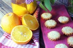 Muffins mit Frucht Stockbild