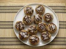 muffins plateful stół Zdjęcie Royalty Free