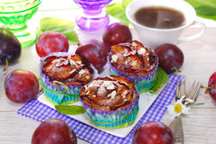 Muffins with plums and almonds Royalty Free Stock Photos