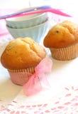 Muffins - Produkte des Konditors süß gebacken lizenzfreies stockfoto