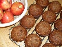 Muffins und Äpfel Lizenzfreie Stockbilder