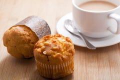 Muffins und Kaffee stockbild