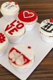 Muffins voor valentijnskaartendag Royalty-vrije Stock Foto