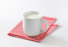Mug of milk Royalty Free Stock Photos