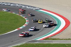 Mugello电路,意大利- 2017年10月7日, :开始C种族#1最后的回合  我 Gran Turismo超级GT3-GT3 免版税库存照片