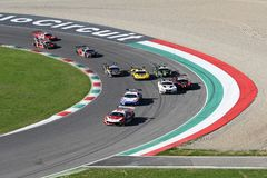 Mugello电路,意大利- 2017年10月7日, :开始C种族#1最后的回合  我 Gran Turismo超级GT3-GT3 库存图片
