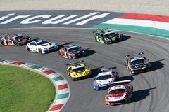 Mugello电路,意大利- 2017年10月7日, :开始C种族#1最后的回合  我 Gran Turismo超级GT3-GT3 图库摄影