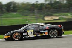 MUGELLO,意大利- 2013年11月:在Finali Mondiali法拉利期间的法拉利458挑战-在Mugello电路的法拉利赛跑的天 免版税库存照片