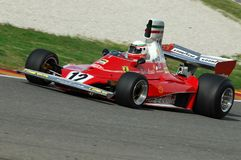 MUGELLO, IT, 2007年11月:未知数跑与历史的法拉利F1 312T前仁旗Lauda在Finali Mondiali法拉利期间2007年 库存图片