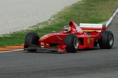 MUGELLO, IT, 2007年11月:未知数遇到与现代法拉利F1在Finali Mondiali法拉利期间2007年在它的mugello电路 免版税库存图片