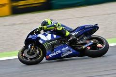 MUGELLO - ИТАЛИЯ, ИЮНЬ: Всадник Valentino Rossi команды Yamaha Movistar итальянки на GP 2018 Италии MotoGP в июне 2018 стоковое фото