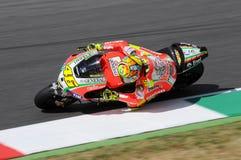 MUGELLO - ИТАЛИЯ, 13-ОЕ ИЮЛЯ: Всадник Valentino Rossi Ducati итальянки во время GP 2012 ТИМ MotoGP Италии 13-ого июля 2012 Стоковые Изображения