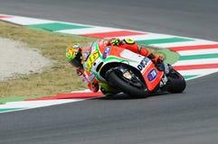 MUGELLO - ИТАЛИЯ, 13-ОЕ ИЮЛЯ: Всадник Valentino Rossi Ducati итальянки во время GP 2012 ТИМ MotoGP Италии 13-ого июля 2012 Стоковое Изображение