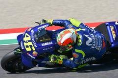 MUGELLO - ИТАЛИЯ, 2-ОЕ ИЮНЯ: Выигрышное положение Valentino Rossi всадника команды Yamaha Movistar итальянки установленное во вре стоковая фотография rf