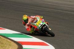 MUGELLO -意大利, 7月13日:意大利人在2012年意大利的蒂姆MotoGP GP期间的杜卡迪车手瓦伦蒂诺・罗西2012年7月13日的 免版税库存照片