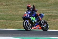 MUGELLO -意大利, 6月3日:西班牙人山叶在合格的车手持异议者Vinales意大利的2017年MotoGP奥克利GP期间Muge的 免版税库存照片