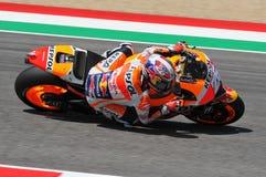 MUGELLO -意大利, 5月29日:西班牙人本田车手在2015年意大利的蒂姆的Dani Pedrosa MotoGP Mugello电路的 图库摄影
