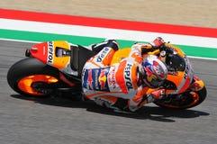 MUGELLO -意大利, 5月29日:西班牙人本田车手在2015年意大利的蒂姆的Dani Pedrosa MotoGP Mugello电路的 库存照片