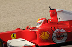 MUGELLO, IT, im November 2013: Unbekanntes laufen mit Ferrari F1 während Finali Mondiali Ferrari 2013 in den mugello Stromkreis Stockfoto