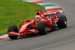 MUGELLO, IT, im November 2013: Unbekanntes laufen mit Ferrari F1 während Finali Mondiali Ferrari 2013 in den mugello Stromkreis i Lizenzfreie Stockfotografie