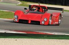 MUGELLO, IT im November 2013 Unbekanntes laufen mit Ferrari 333SP in den Mugello-Stromkreis während Finali Mondiali Ferrari 2013  Lizenzfreies Stockfoto