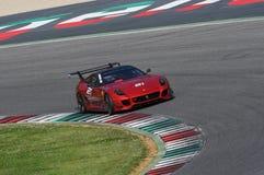 MUGELLO, ITÁLIA - EM MAIO DE 2017: O desconhecido conduz Ferrari 599XX durante XX programas de dias de competência de Ferrari no  Fotografia de Stock Royalty Free