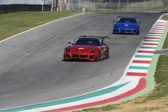 MUGELLO, ITÁLIA - EM OUTUBRO DE 2017: O desconhecido conduz Ferrari 599XX durante XX programas de Finali Mondiali Ferrari no circ Foto de Stock