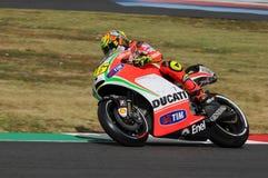 MUGELLO - ITÁLIA, O 13 DE JULHO: Cavaleiro Valentino Rossi de Ducati do italiano durante GP 2012 de TIM MotoGP de Itália o 13 de  Fotos de Stock Royalty Free