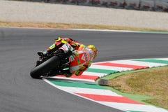 MUGELLO - ITÁLIA, O 13 DE JULHO: Cavaleiro Valentino Rossi de Ducati do italiano durante GP 2012 de TIM MotoGP de Itália o 13 de  Imagem de Stock