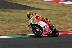 MUGELLO - ITÁLIA, O 13 DE JULHO: Cavaleiro Valentino Rossi de Ducati do italiano durante GP 2012 de TIM MotoGP de Itália o 13 de  Foto de Stock Royalty Free