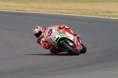 MUGELLO - ITÁLIA, O 13 DE JULHO: O cavaleiro Nicky Hayden dos E.U. Ducati em TIM 2012 MotoGP de Itália em Mugello circuita o 13 d Fotos de Stock Royalty Free