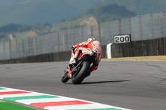 MUGELLO - ITÁLIA, O 13 DE JULHO: O cavaleiro Nicky Hayden dos E.U. Ducati em TIM 2012 MotoGP de Itália em Mugello circuita o 13 d Fotos de Stock