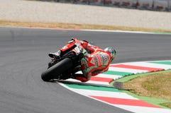 MUGELLO - ITÁLIA, O 13 DE JULHO: O cavaleiro Nicky Hayden dos E.U. Ducati em TIM 2012 MotoGP de Itália em Mugello circuita o 13 d Foto de Stock