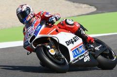 MUGELLO - ITÁLIA, O 3 DE JUNHO: Cavaleiro Andrea Dovizioso Win de Ducati do italiano o GP de 2017 OAKLEY MotoGP de Itália o 3 de  Fotos de Stock