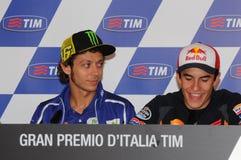 Mugello - Itália, o 29 de maio: cavaleiros Valentino Rossi e Marc Marquez durante a conferência de imprensa em GP 2014 de TIM Mot fotografia de stock royalty free